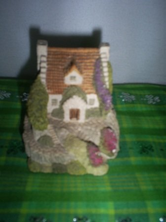 Fraser Creations, Cove Cottage Collectible, Handmade in Scotland