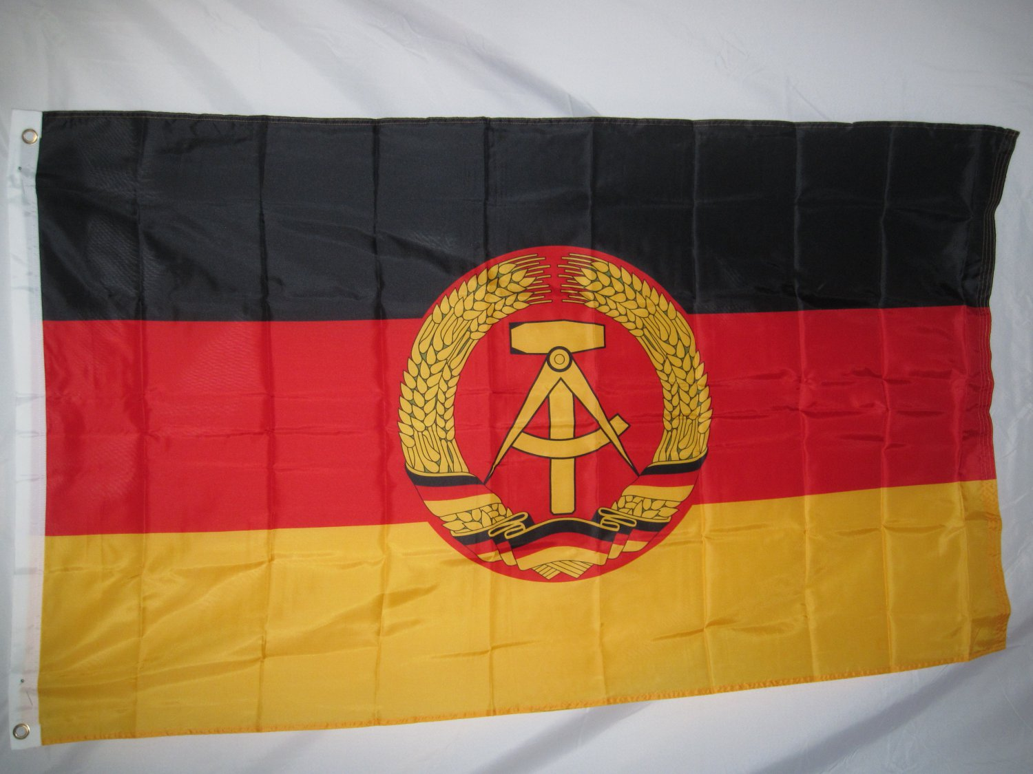 EAST GERMAN DDR NATIONAL FLAG 3 X 5 3X5 NEW