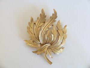 Vintage Crown Trifari Leaf Bush Seaweed Branch Gold tone Pin Brooch
