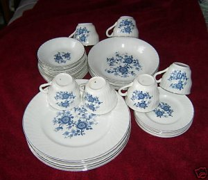 Wedgwood Royal Blue dinner set -  -Svce for 6