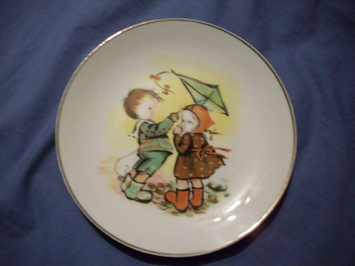 "7 1/4"" Boy and Girl Plate"