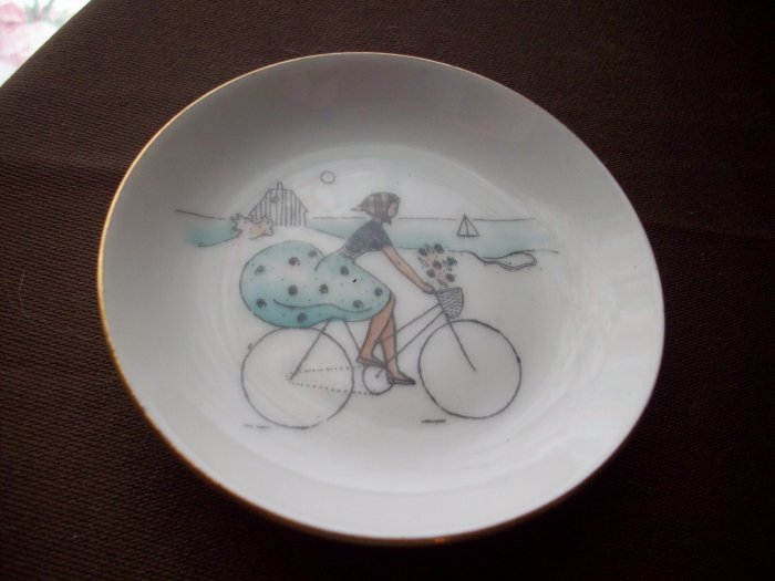 "3 1/2""  Vintage Bing & Grondahl Scenic Saucer  1952-1958"