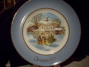 1977 Avon Christmas Plate Fifth Edition