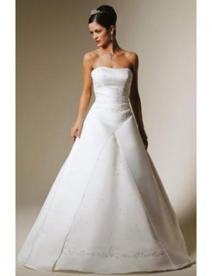 A-Line/Princess Strapless Chapel Train Satin wedding dress for brides 2010 Style(WDS0243)