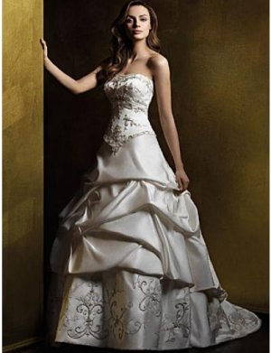 A-Line/Princess Strapless Chapel Train Satin wedding dress (WS0059)  for brides new Style