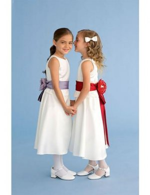 A-line Round-neck Knee-Length Satin Flower Girl Dress 2010 style(FGD0105)