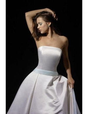 A-Line/Princess Strapless Chapel Train Satin wedding dress (SEW1672)