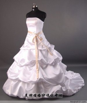 A-Line/Princess Strapless Chapel Train Satin wedding dress (LF0052)