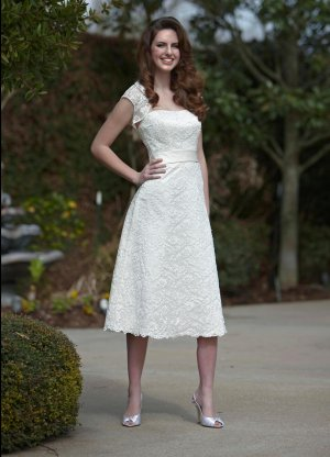 A-Line/Princess Strapless Tnee-length Satin Prom dress(DEX0040)