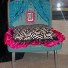 Cyndi Lauper La-Z Lounging Luggage , ***FREE SHIPPING!***  Pet Bed, Dog / Cat Bed