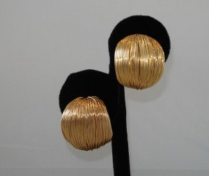 EARRINGS: Women's Goldtone Multiple Wire Clip On