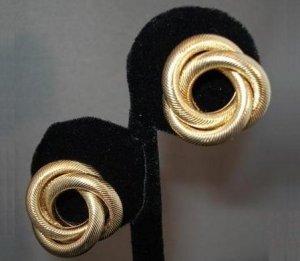 EARRINGS: Women's Goldtone Knot Clip On