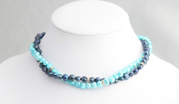 Double strand colored pearl necklace with rondelles. Various colors available.