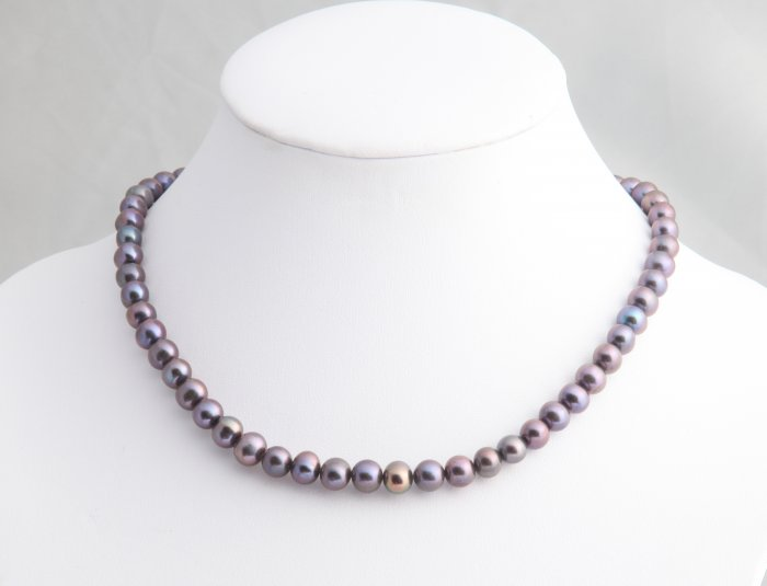 "8-9 mm Single Strand Black Pearl Necklace 16"""" with 2"""" extender"