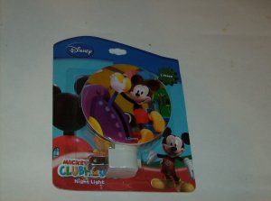BRAND NEW DISNEY MICKEY MOUSE CLUBHOUSE NIGHT LIGHT