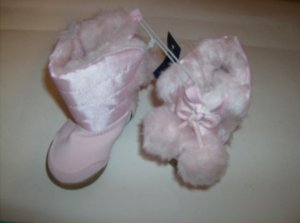 BRAND NEW PINK GIRLS INFANT BOOTS WITH TASSELS SIZE 2
