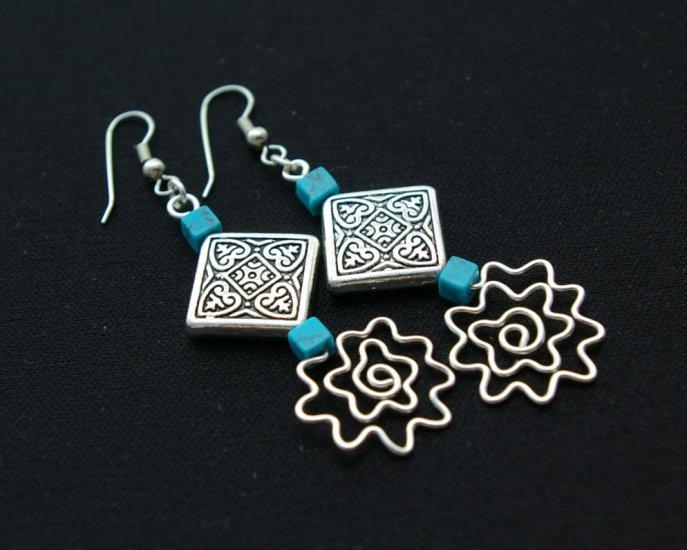 Handmade free form Wire Earring (Flower Drop)