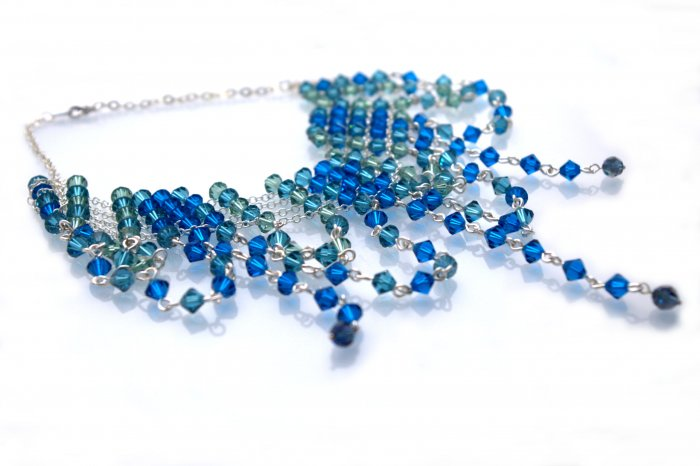 Handmade Crystal Beads Wire Necklace (Bluemoon)