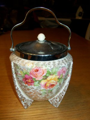 Biscuit Barrel - English