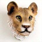 AM09 Lioness Magnet