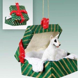 GGBD07A Bull Terrier Green Gift Box Ornament