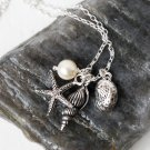 Beach Necklace / Seashell Necklace
