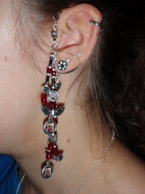 Red Queen/ Queen of Hearts earwrap