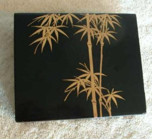 Lacquer wood TRINKET BOX Bamboo Signed Chop