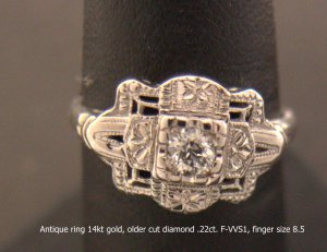 Antique diamond ring 14kt gold, very fine older diamond .22ct. F-VS1,