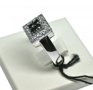 MADE IN ITALY VALENZA 18K WHITE GOLD RING BLACK & WHITE DIAMONDS (BLACK 0.40 KT, WHITE 0.30 KT)