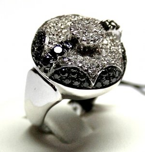MADE IN ITALY VALENZA 18K WHITE GOLD RING WITH BLACK & WHITE DIAMONDS RESPECTIVELY 1.50 & 1.62 KT