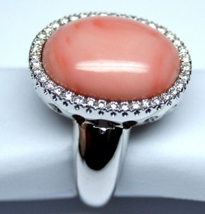 MADE IN ITALY VALENZA 18K WHITE GOLD RING WITH .096 oz. CORAL STONE & kt. 0.40 DIAMONDS, NEW AGE
