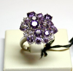 MADE IN ITALY VALENZA 18K WHITE GOLD RING, FLOWER OF KT 5.00 AMETHYSTS AND KT 0.24 DIAMONDS, NEW AGE