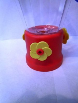 NEW Red Plastic Hanging Mainstays 3 Yellow Flower Hummingbird Bird Feeder 16 oz