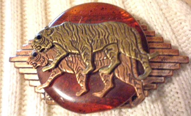 #P031 -  Brass and Copper Tiger Pin