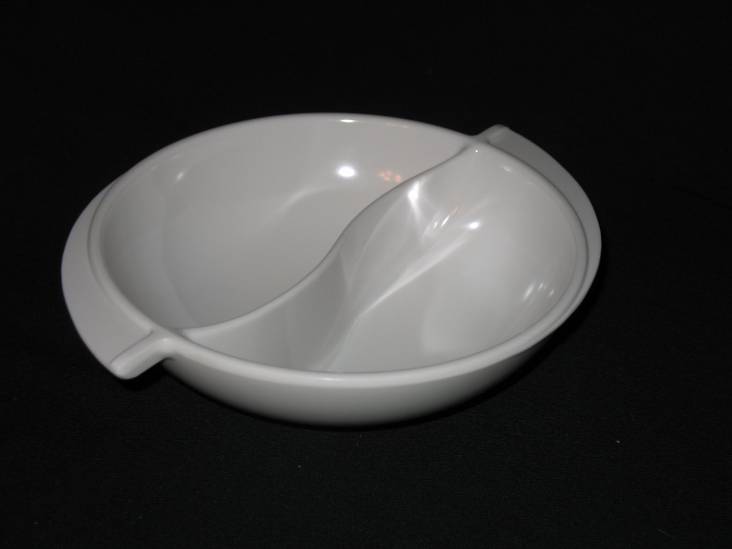 """Boonton Ware  10""""  Divided  Serving Bowl White"""