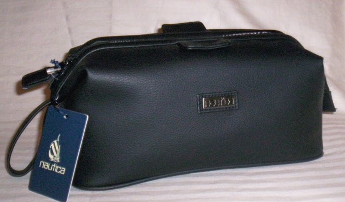 Nautica Shaving Kit Travel Bag in Black