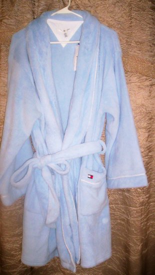 Tommy Hilfiger Soft Cuddly Robe L/XL in Baby Blue