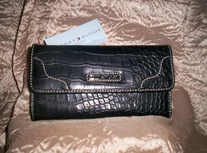 Tommy Hilfiger Swing Shift Black Croco Leather Clutch Wallet