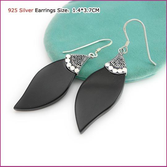 Silver (925 Sterling) Agate Earring