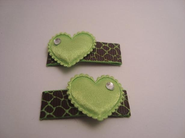 Lime Green Giraffe Heart Clips
