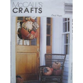 McCall's Crafts 2332 Pattern Scarecrow Door Hanging And Pumpkin