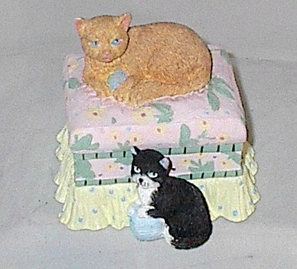 Lady Jayne Ltd Cottage Cat Trinket Box