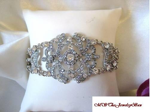 VICTORIAN STYLE AB & CLEAR CRYSTAL BRACELET