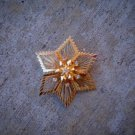 Gold star flower brooch. (SALE)