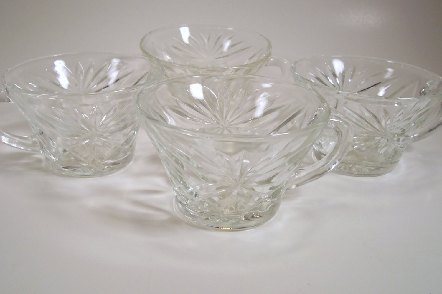 Anchor Hocking Early American Prescut Set of 4 punch cups Clear Snack Cups