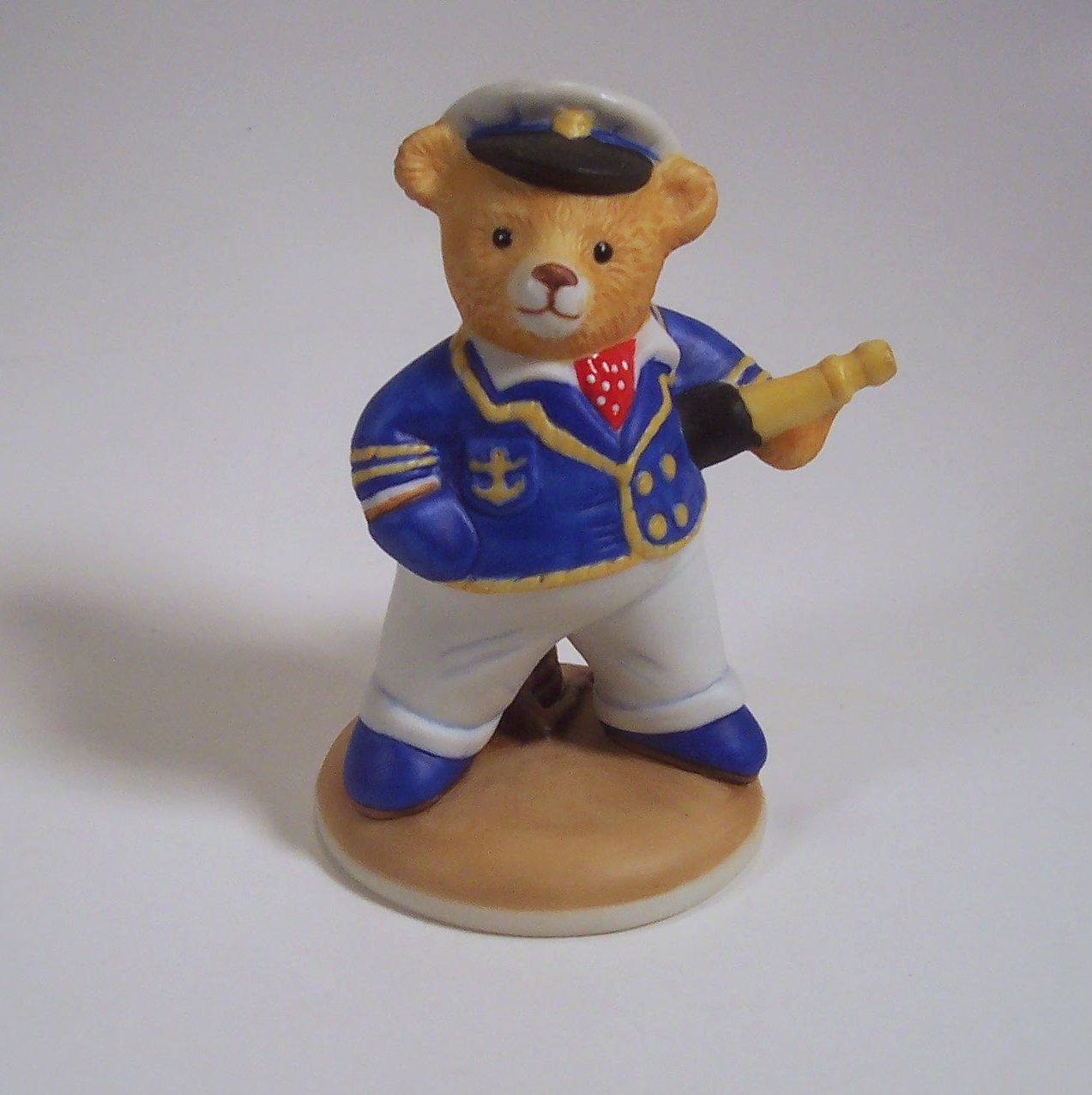 Commander Teddington Teddington Hotel 1986 Franklin Mint Porcelain Figurine