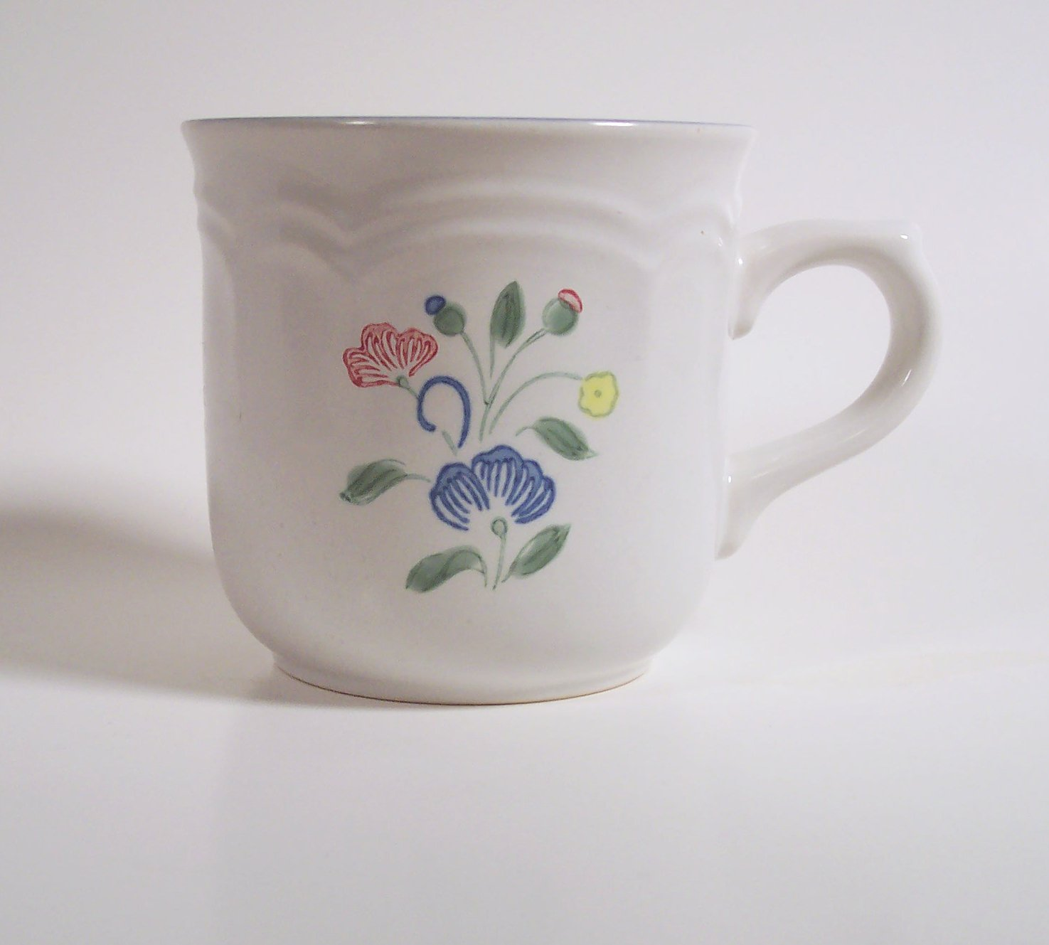 Hearthside Floral Expressions Cup  Made in Mexico Blue Pink Yellow Flowers