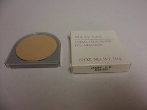 Mary Kay Creme to Powder Foundation Ivory 0.5