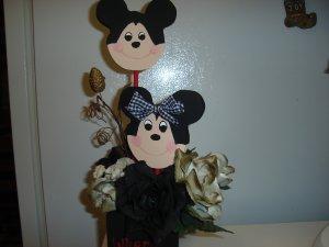 Mickey Mouse Arrangement on 4X4 Block